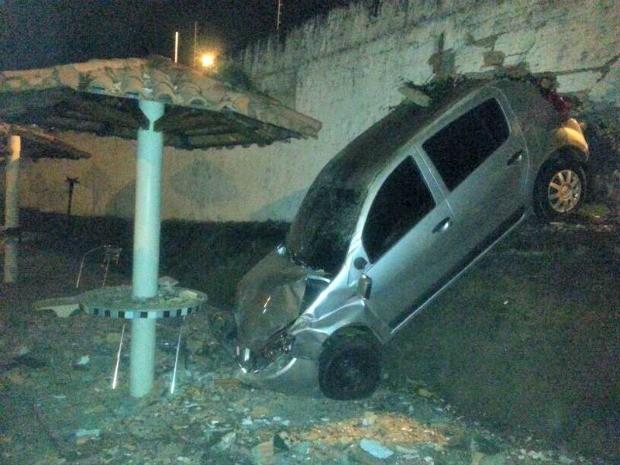 Acidente ocorreu na noite de sexta-feira (6) (Foto: Arquivo Pessoal/Paulo Nery)