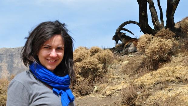 Larissa de Lima na Montanhas Simien, na Etiópia, onde vive desde fevereiro (Foto: Arquivo pessoal)