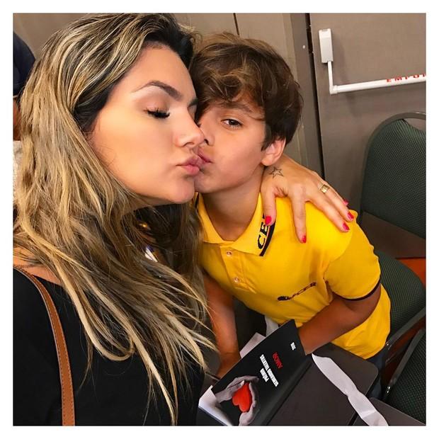 Kelly Key e o filho Jaime Vitor  (Foto: Reprodução/Instagram)