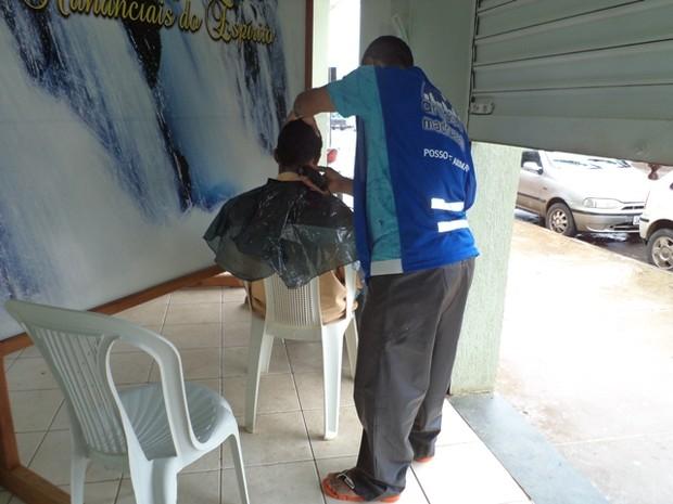 Duas vezes por ano são realizados dois grandes almoços para os moradores de rua. (Foto: Anjos na Madrugada)