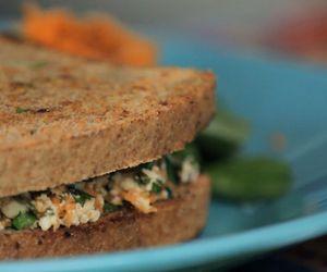 Sanduíche natural de ricota de tofu