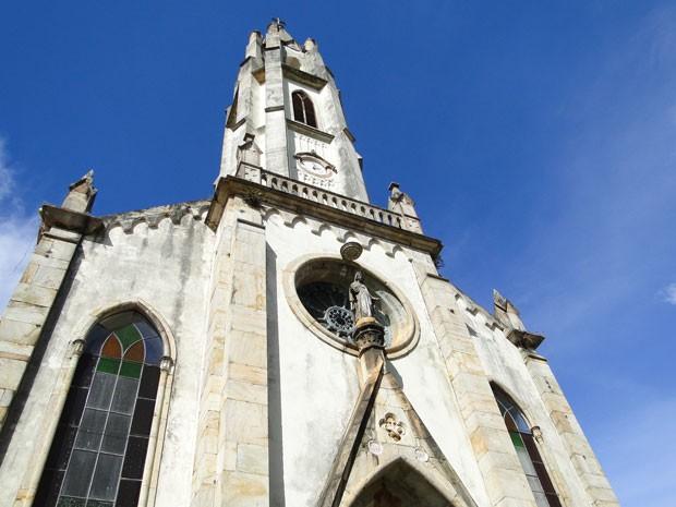 Igreja de Nossa Senhora Mãe dos Homens, no Santuário do Caraça, destingue-se de grande parte das igrejas das cidades históricas (Foto: Raquel Freitas/G1)