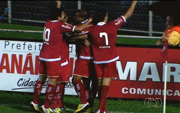 Anápolis 2 x 1 Vila Nova Goianão 2013 (Foto: Reprodução/TV Anhanguera)