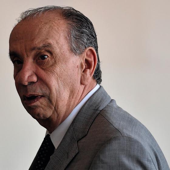 ARRANJO O ministro das Relações Exterioores, Aloysio Nunes. O PSDB sai do governo, mas ele, tucano, fica (Foto:   Mateus Bonomi / AGIF/AFP)