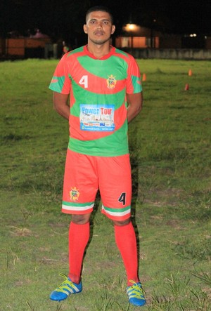 Josenildo fez carreira no futebol amador e estreia no profissional contra o Náutico-RR (Foto: imagem/Tércio Neto)