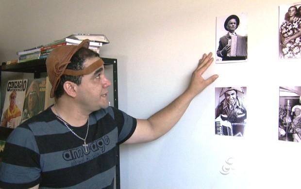 Professor é fã do cantor que saiu do Nordeste e conquistou todo o Brasil. (Foto: Roraima TV)