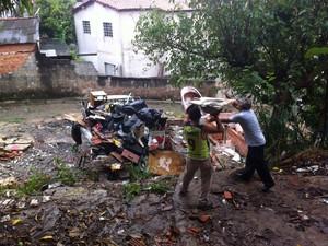 Grande risco de dengue preocupa moradores em Votorantim (Foto: Moisés Soares/ TV TEM)
