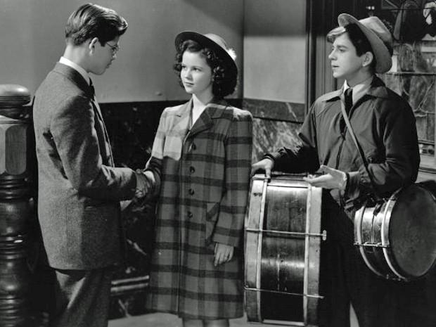 Shirley Temple no filme 'Miss Annie Rooney' (1942) (Foto: Divulgação)