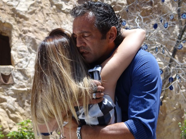 Zyah e Bianca se reencontram na Capadócia (Foto: Salve Jorge / TV Globo)