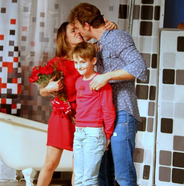 Fernanda Vasconcellos, Cássio Reis e Noah (Foto: AgNews)