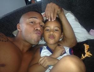 Tiago Amaral vai curtir a folga com a filha e a esposa (Foto: Tiago Amaral/Arquivo Pessoal)