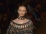 'Revolta da sobrancelha', diz Fabiana Gomes sobre beleza de desfile