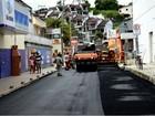Ruas do centro de Maricá, RJ, recebem obras de pavimentação