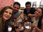 Zezé Di Camargo e Luciano posam com Graciele Lacerda e Flávia