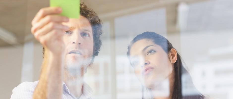 Parede; post-it; recado; visual; mensagem; startup; planejamento (Foto: Thinkstock)