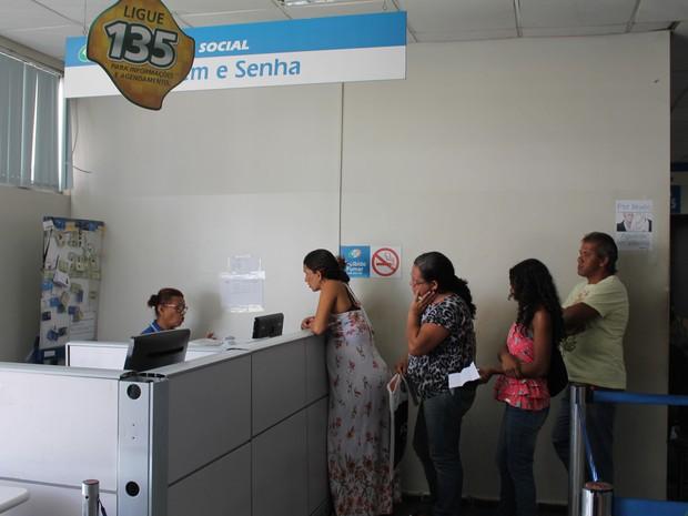 Servidores do INSS devem retornas da greve nesta segunda-feira (28) (Foto: Juliane Peixinho / G1)