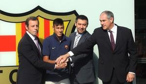 Neymar barcelona apresentação (Foto: Marcelo Hazan)