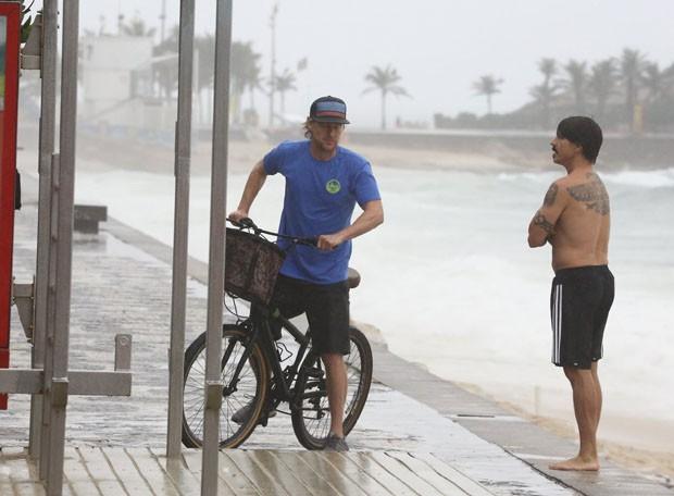 Owen Wilson e Anthony Kiedis (Foto: Denilson Santos /Agnews)
