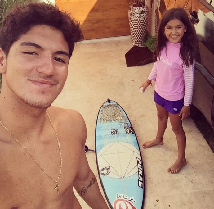 Gabriel Medina e a irmã Sophia (Foto: Reprodução/Instagram)