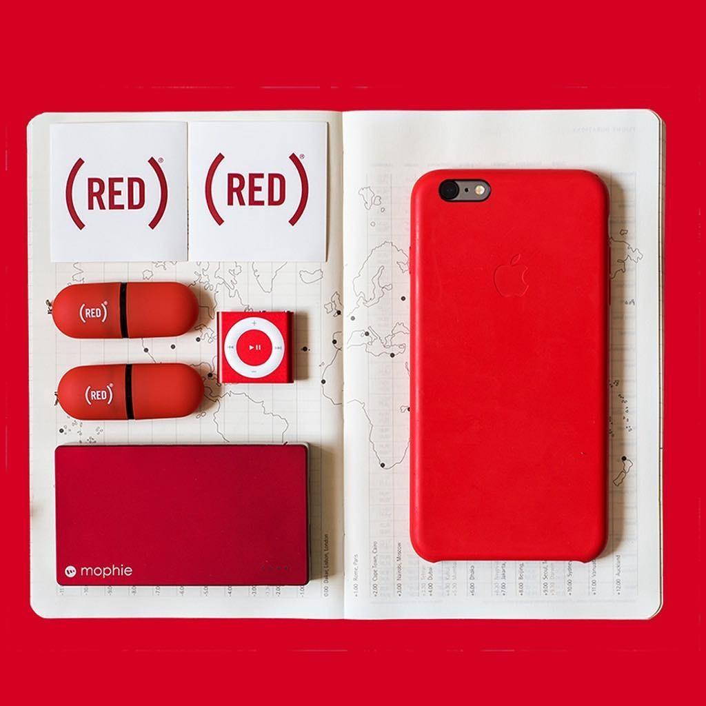 Mophie e Apple abraçam a ONG (RED) (Foto: Divulgação)