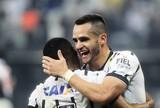 """Carlos Cereto exalta o meio-campo  do Corinthians: """"O melhor do Brasil"""""""