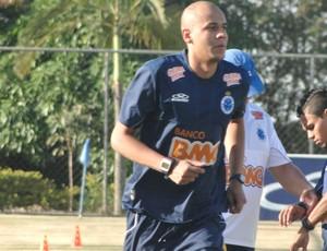 Alex Silva, treino Cruzeiro (Foto: Roberto Rodrigues / Globoesporte.com)