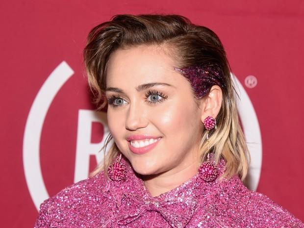 Miley Cyrus em evento em Nova York, nos Estados Unidos (Foto: Dave Kotinsky/ Getty Images/ AFP )