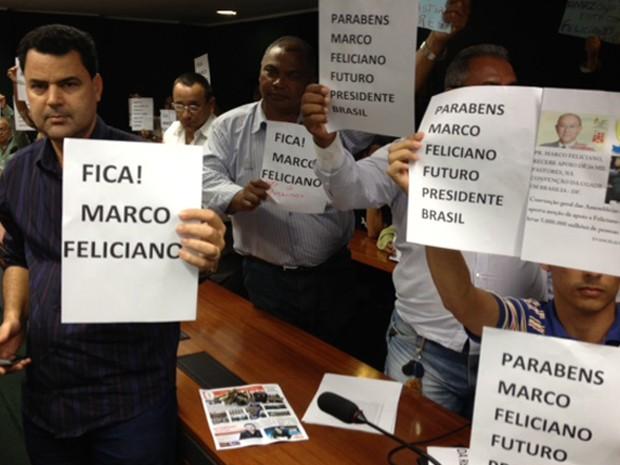 Manifestantes favoráveis a Marco Feliciano  (Foto: Fabiano Costa/ G1)