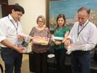 Alunos da rede municipal começam a receber kits escolares em Uberaba