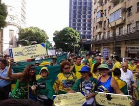 Manifestantes nas ruas de Belém, no Pará (Foto: Reprodução Twitter/@AryAntiPT)