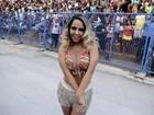 Mulher Melão usa modelito discreto para sambar: 'Mulher prevenida'