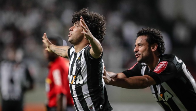 Luan e Fred em Atlético-MG x Santa Cruz (Foto: Futura Press)