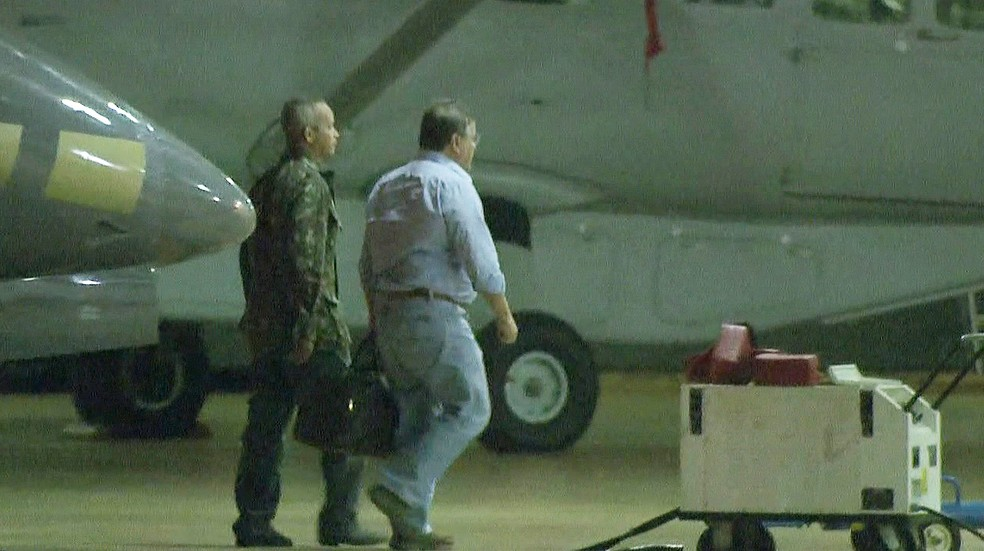 Preso, Geddel chega a Brasília e é levado para a superintendência da Polícia Federal (Foto: Wilson de Sousa/TV Globo)