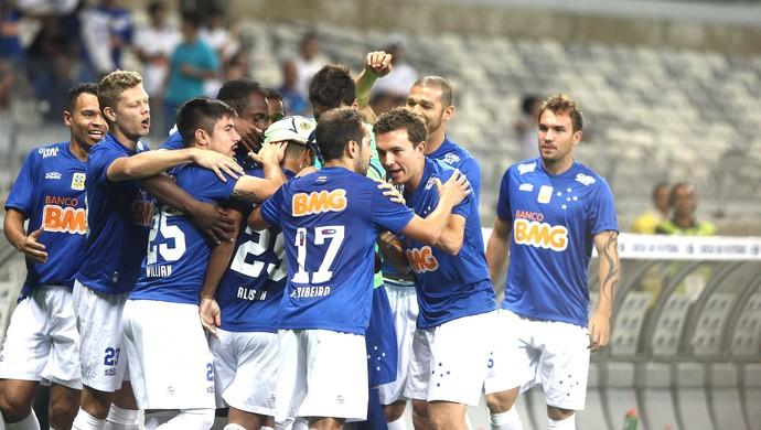comemoração do Cruzeiro contra o Vitória (Foto: Luiz Costa / Agência estado)