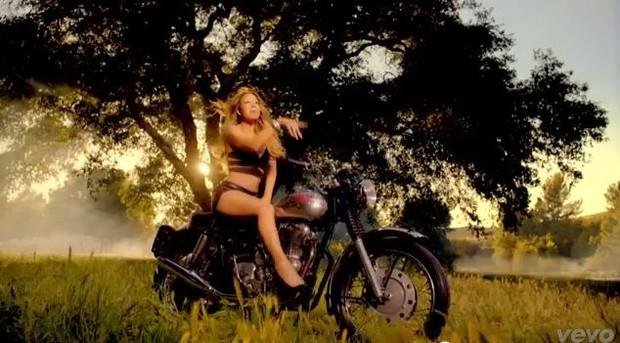 Mariah Carey  em moto, famosa em moto, gostosa em moto, Mulheres de moto, mulher sensual na moto, gostosa em moto, Mulher semi nua em moto, biker babe, sexy on bike, sexy on motorcycle, babes on bike, ragazza in moto, donna calda in moto,femme chaude sur la moto,mujer caliente en motocicleta, chica en moto,
