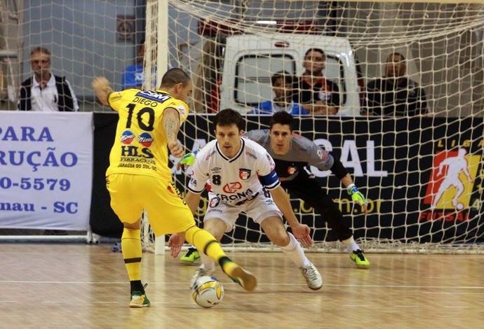 Diego Jaraguá Joinville Liga Futsal (Foto: Beto Costa/CSM)