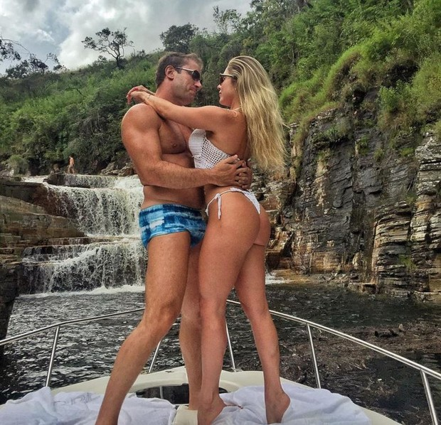 Ex-BBB Renatinha mostra foto romântica e faz mistério (Foto: Reprodução/Instagram)