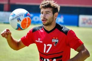 Diogo Campos, atacante do Atlético-GO (Foto: Guilherme Salgado/Atlético-GO)