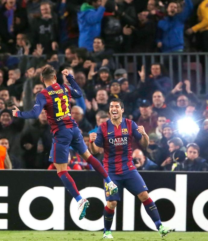 Neymar comemora gol do Barcelona contra PSG (Foto: Agência AP )