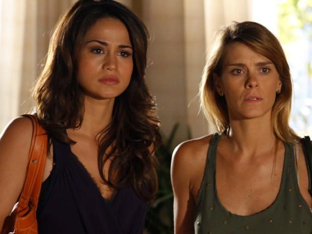 Morena e Jéssica ficam chocadas com a acusação de Helô (Foto: Salve Jorge/TV Globo)