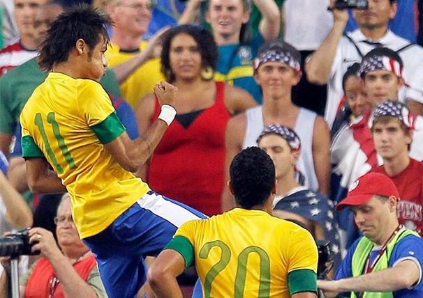 Seleção enfrenta a Coreia do Sul em um dos últimos amistosos do Brasil antes da Copa do Mundo de 2014 (Foto: Reuters)