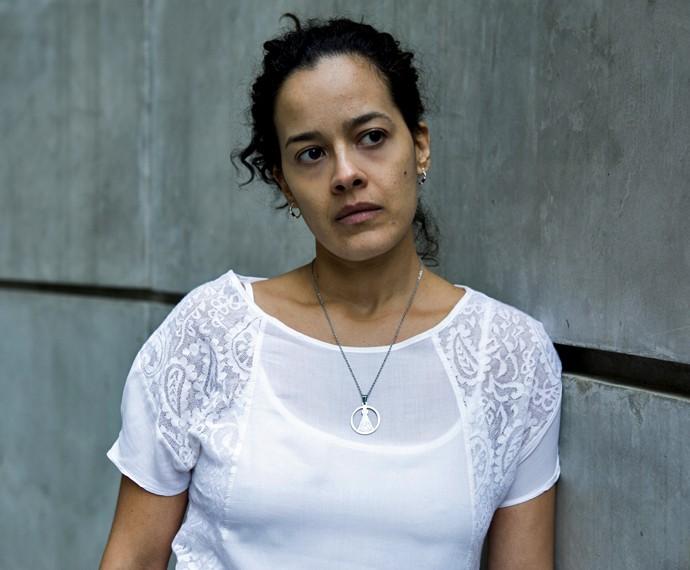 Maeve Jinkings é Domingas, mulher de Juca, personagem de Osvaldo Mil (Foto: Ellen Soares/ Gshow)