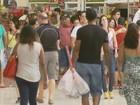 Movimento de consumidores aumenta em shoppings do Sul de MG
