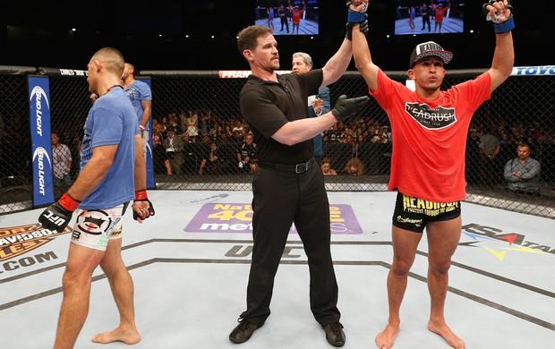Yaotzin Meza x Sergio Pettis UFC MMA (Foto: Getty Images)