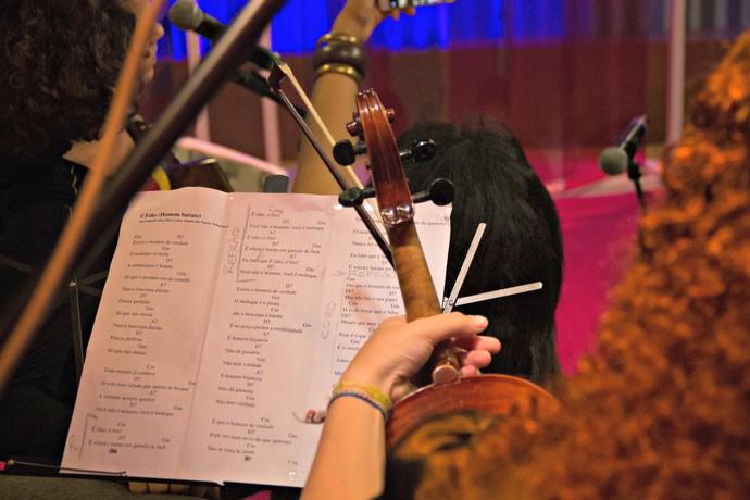 Mistura com Rodaika Thalita Mença violino (Foto: Maicon Hinrichsen/RBS TV)