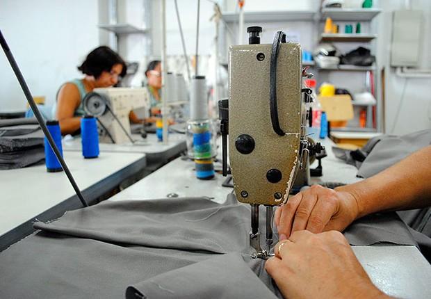 Pequenas empresas ; médias empresas ; oficina de costura ; serviços ;  (Foto: Reprodução/Facebook)