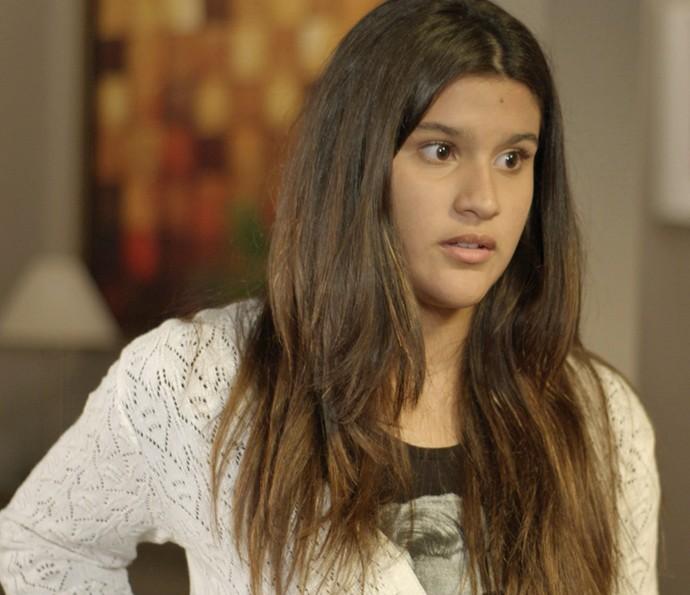 Lívia fez a X-9 e quer abafar o caso (Foto: TV Globo)