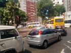Manifestação causa lentidão no centro (Alan Tiago/G1)