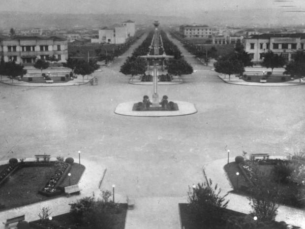 Praça Cívica foi inagurada em 1933 como um grande boulevard, em Goiânia (Foto: Arquivo/TV Anhanguera)