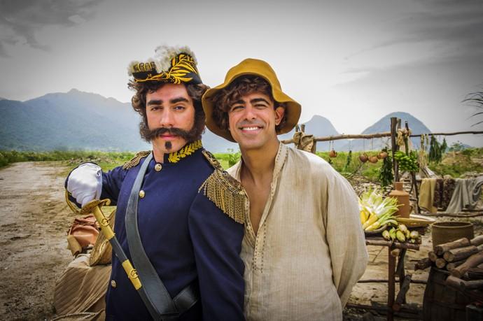 Marcelo Adnet e Marcius Melhem em esquete de 'Tá no Ar'